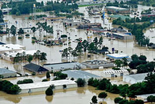 Orbit_four_columns_louisiana-flooding-pictures-maps-1471399630193-master495